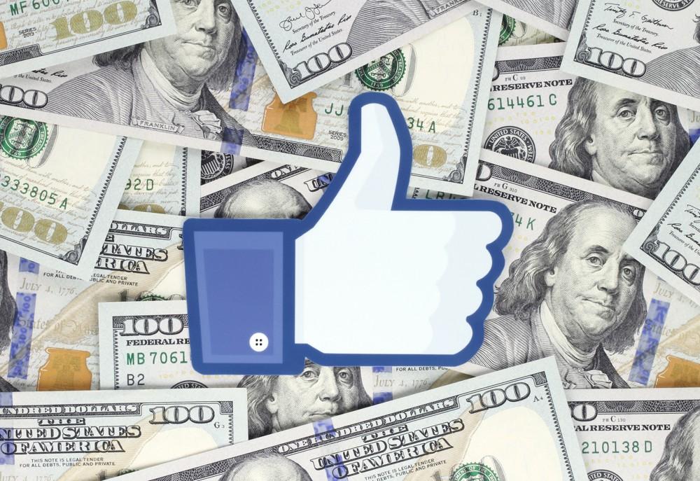Facebook будет платить пользователям