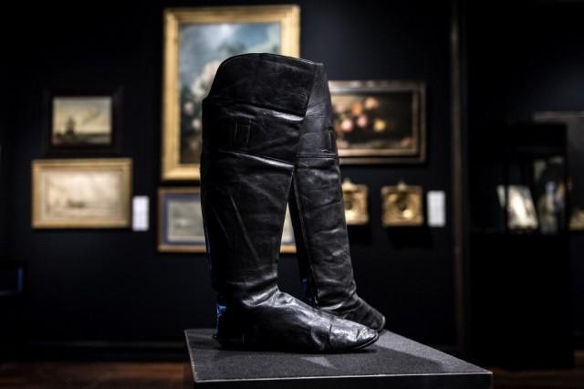 Сапоги Наполеона продали на аукционе за 117 тысяч евро