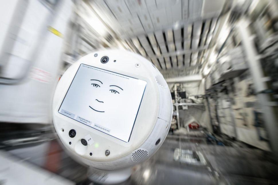 Новый робот-компаньон отправлен на МКС