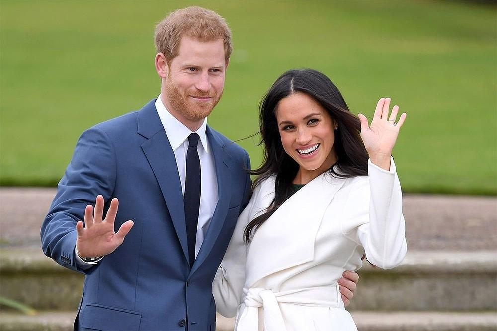 Меган Маркл и принц Гарри сложили с себя королевские полномочия