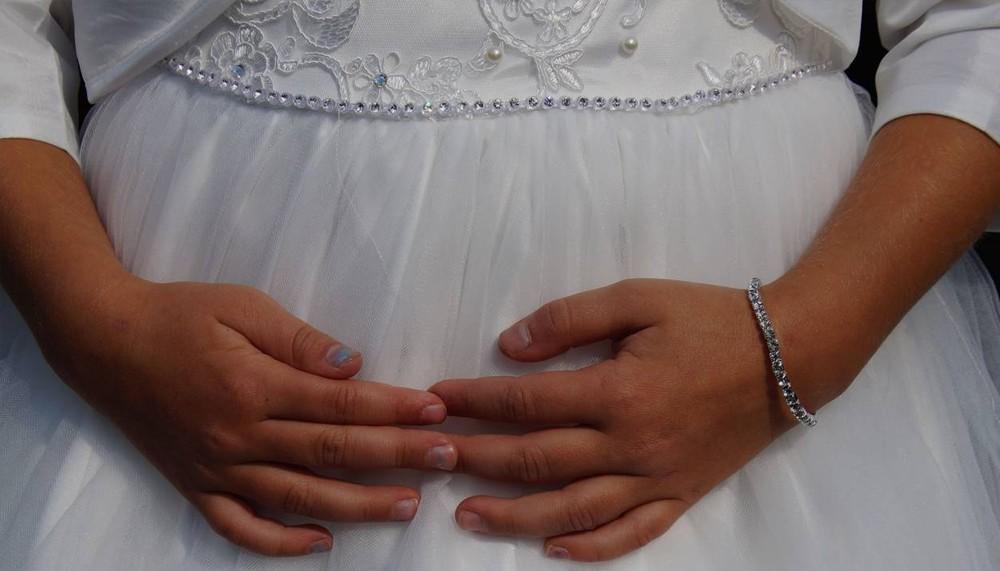 юная беременная девушка