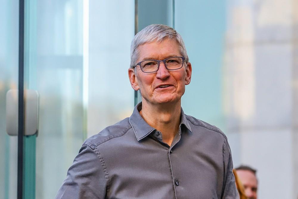 У главы Apple появился навязчивый поклонник