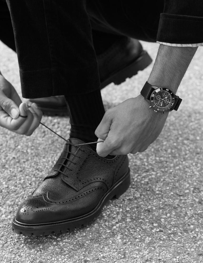 часы и обувь Crockett & Jones Breitling