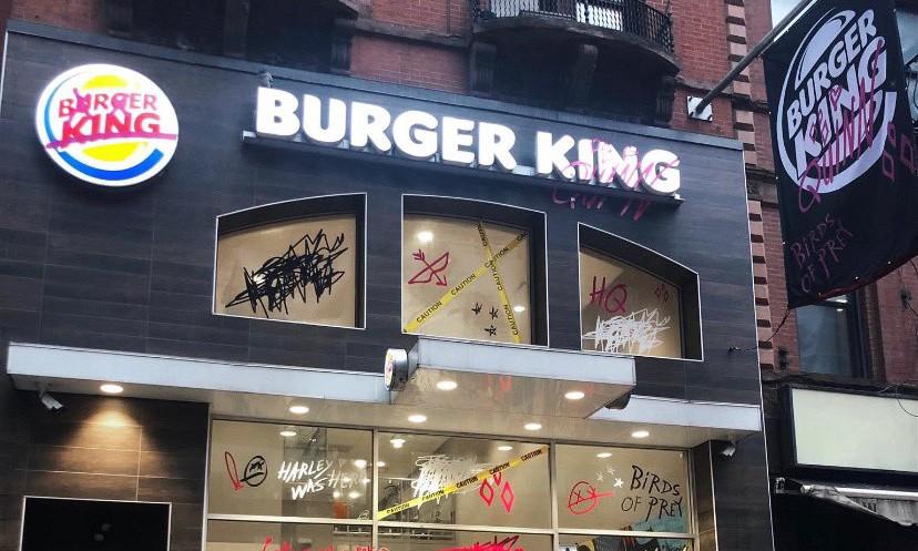 Burger King меняет бургеры на фотографии бывших