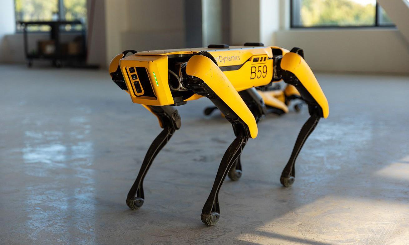Робот Spot приступил к работе на буровой платформе
