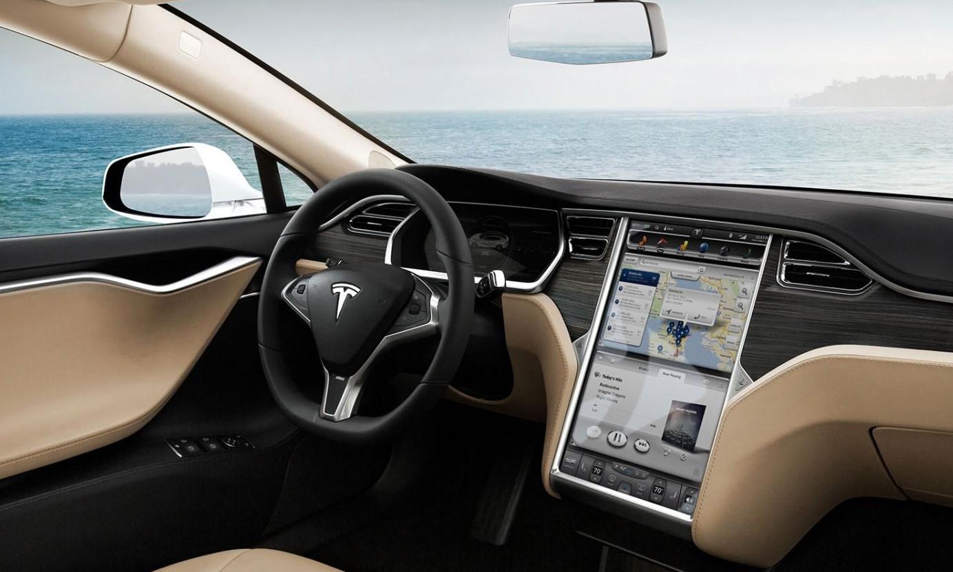 Владельцы Tesla обращаются к хакерам