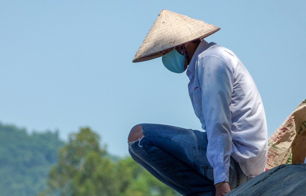 вьетнамец в маске