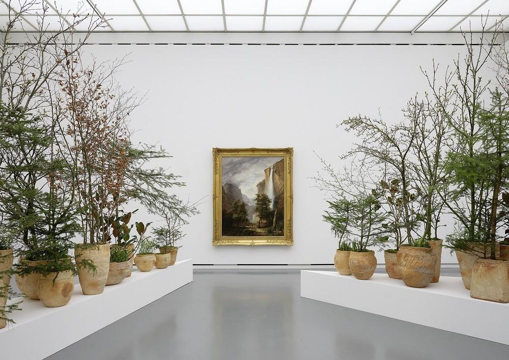 Выставка «Цветы для искусства»: диалог живописи и флористики
