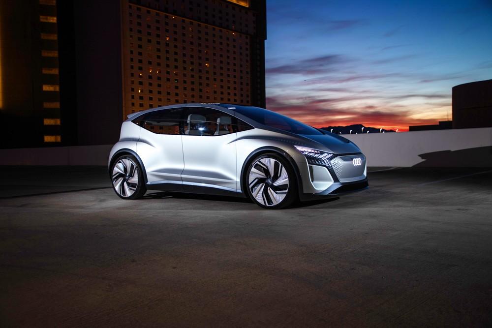 Автомобиль месяца Audi AI: ME – электронный помощник с живой зеленью