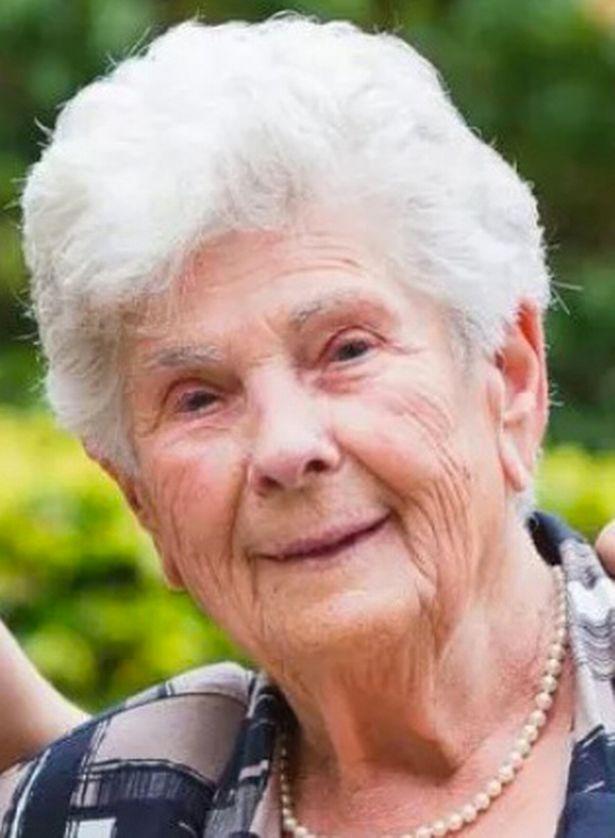 Сюзанна Хойлаэртс 90 лет отказалась ИВЛ