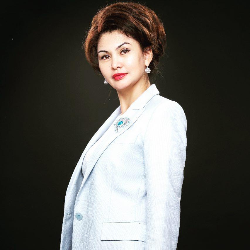 Аида Балаева министр информации и общественного развития