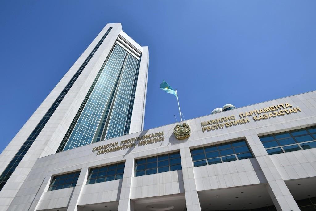 парламент мажилис меньшинства оппозиция