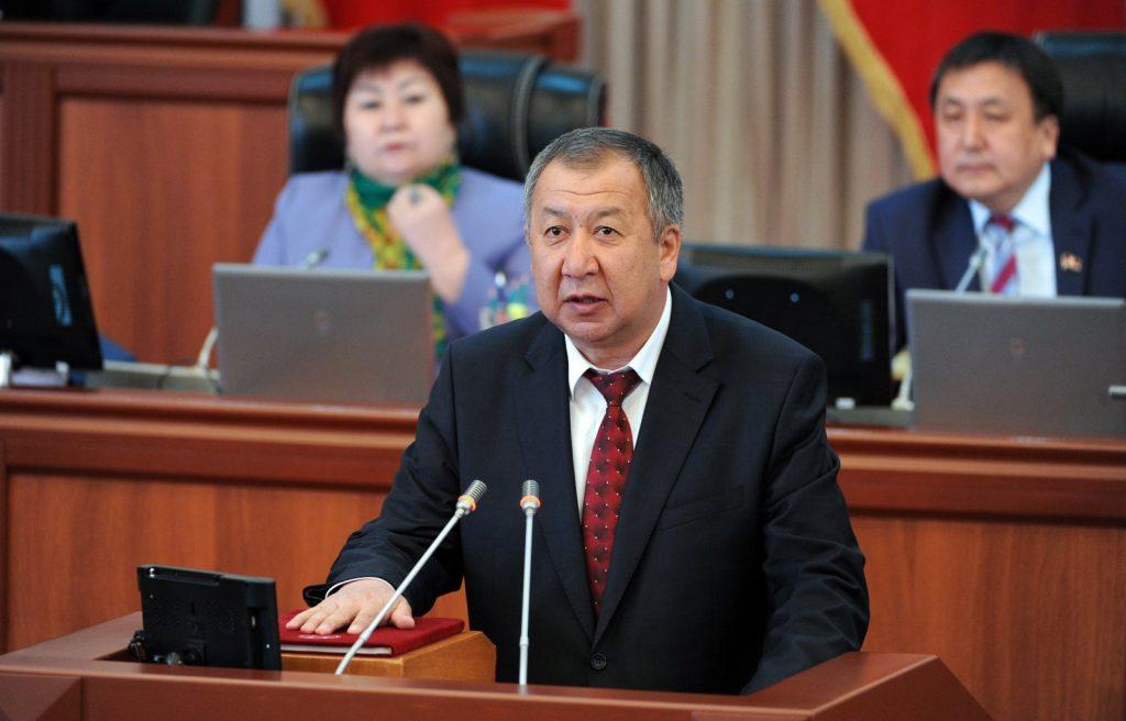 В 5 тысяч сомов обошлась маска премьер-министру Кыргызстана