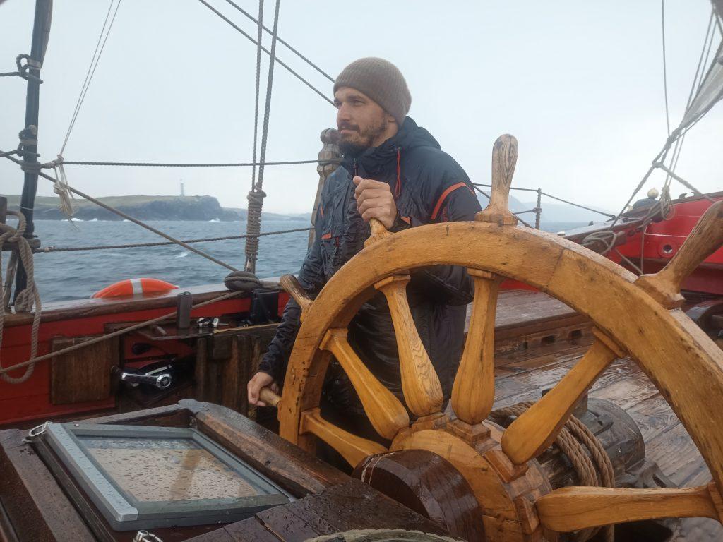 Каково это – застрять в карантине на парусном судне «Штандарт». Когда собирался в отпуск на две недели, а стал матросом на три месяца