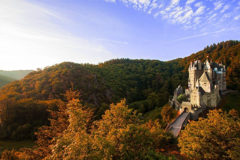 Во Франции устроили распродажу фамильных замков