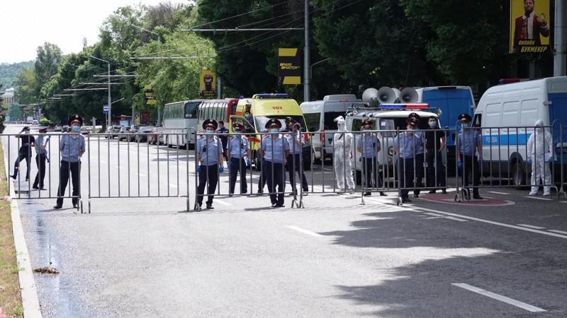 На митингах 6 июня полиция задержала 53 человека