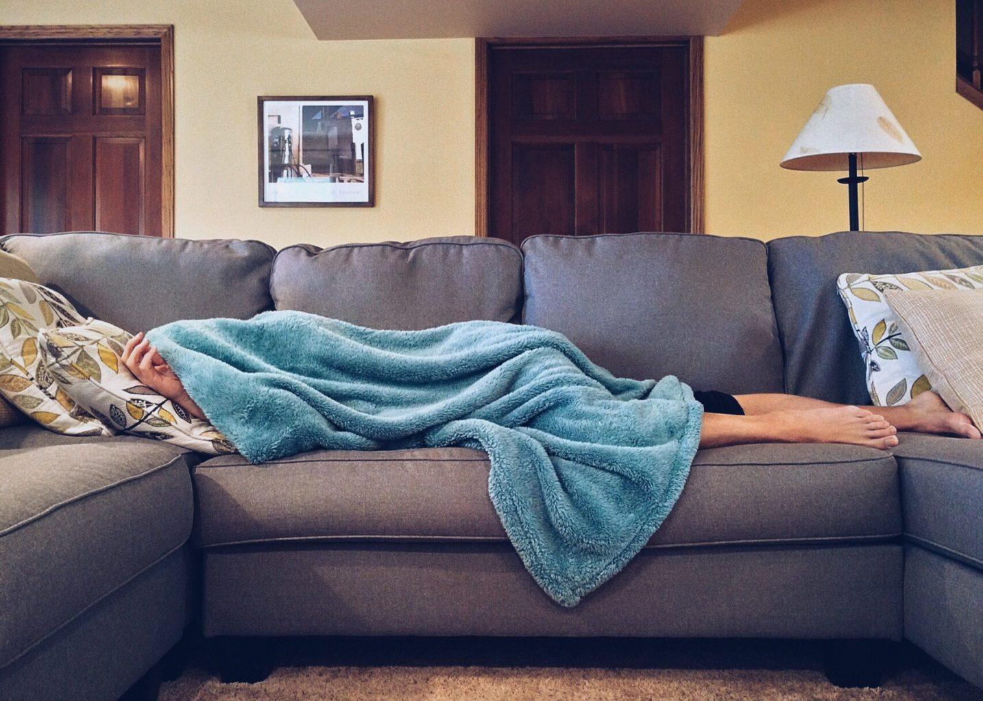 Медики назвали признаки серьезного поражения легких при COVID-19