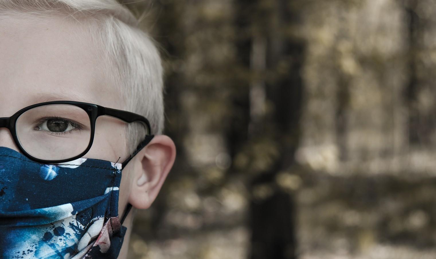 Алексей Цой рассказал, как сделать маску для новорожденных