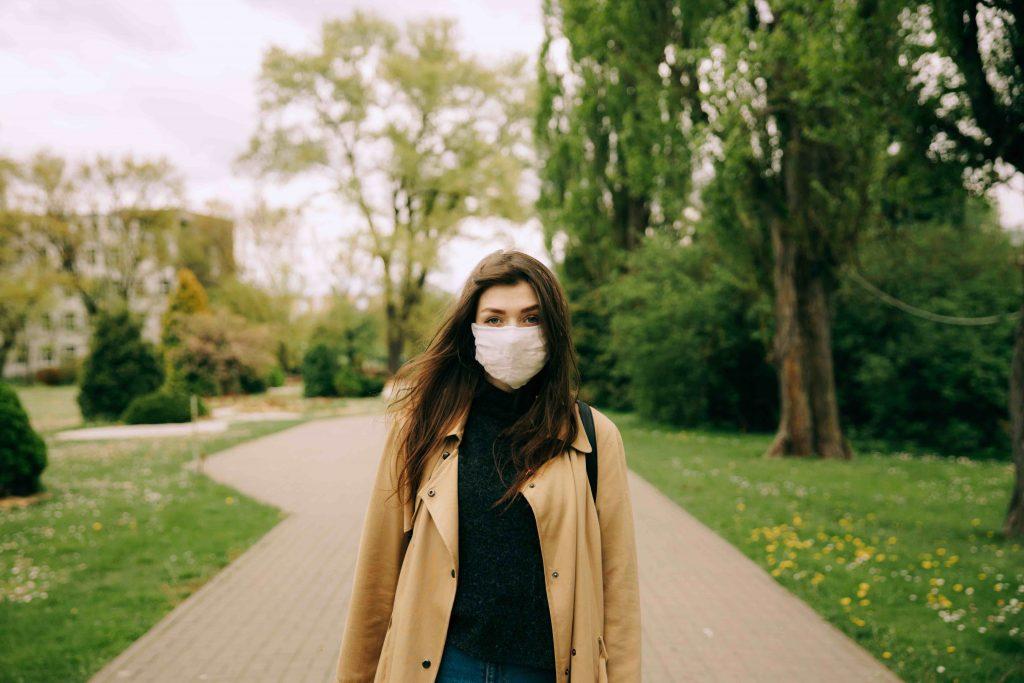 Штрафовать людей за отсутствие масок начали в Алматы