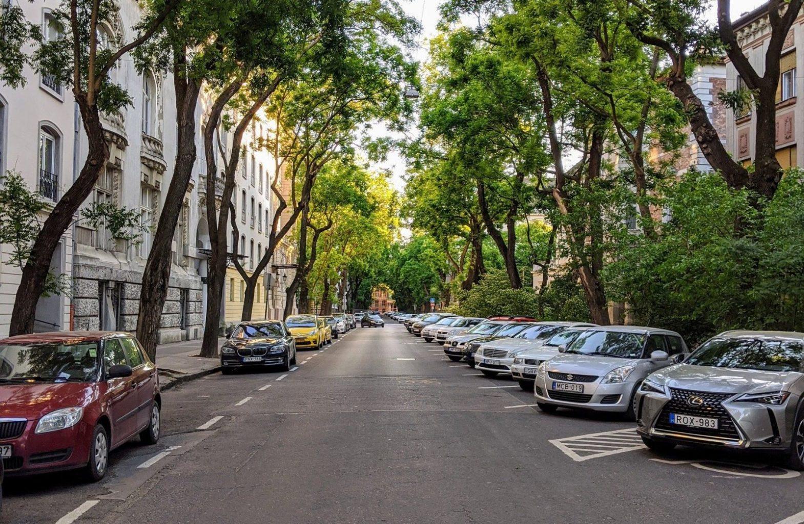 Казахстанский автопарк: какие регионы лидируют по количеству новых и старых авто