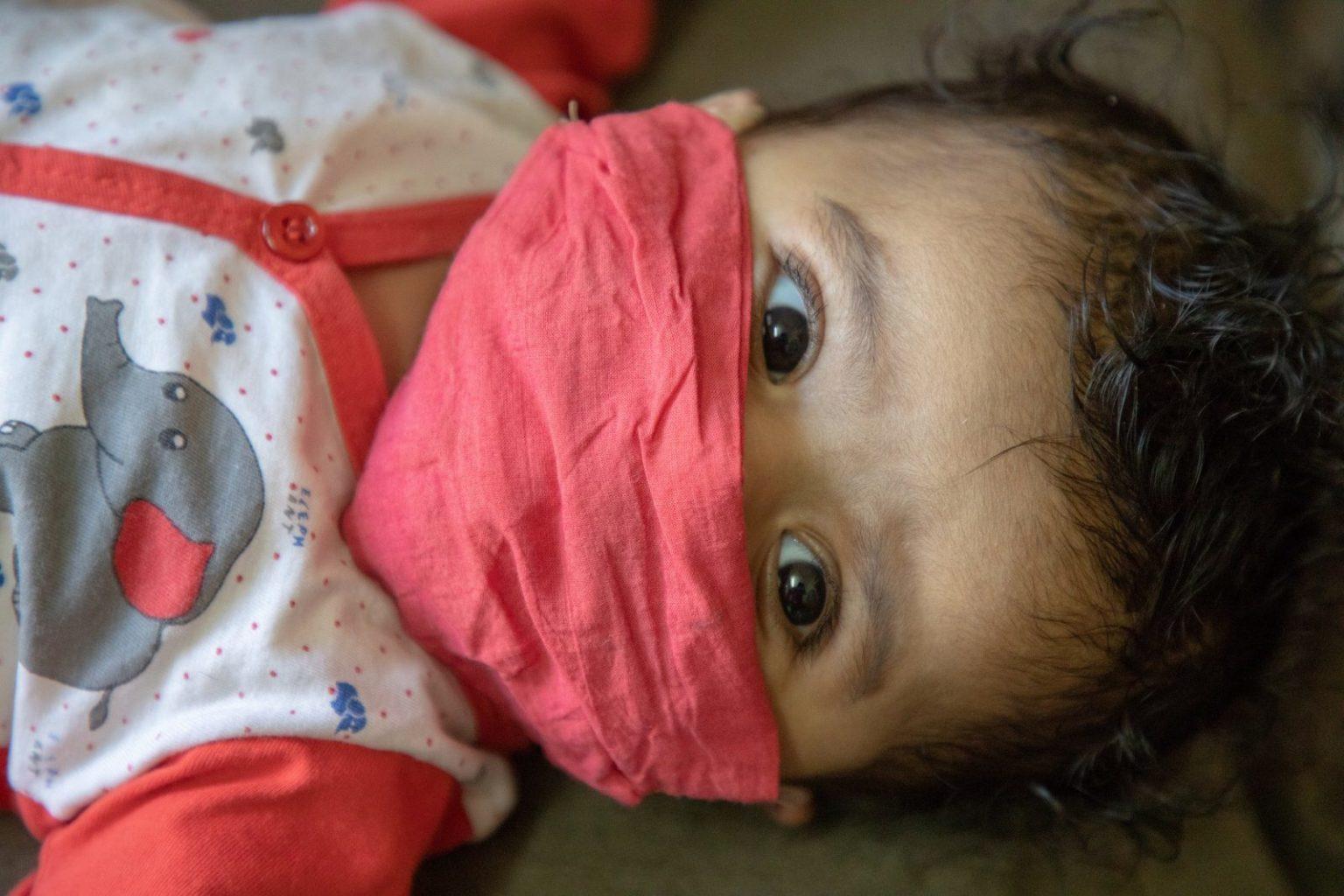 ВОЗ регламентировала правила ношения масок для детей