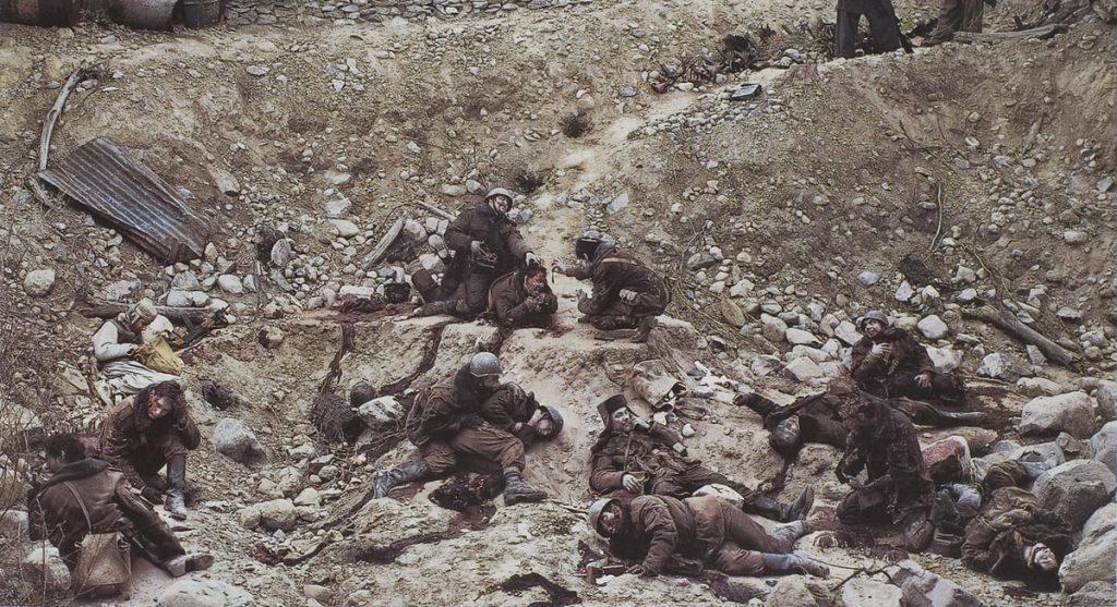 Обнаженная Брук Шилдс, мертвые солдаты и призрак.  Самые дорогие фотографии в мире