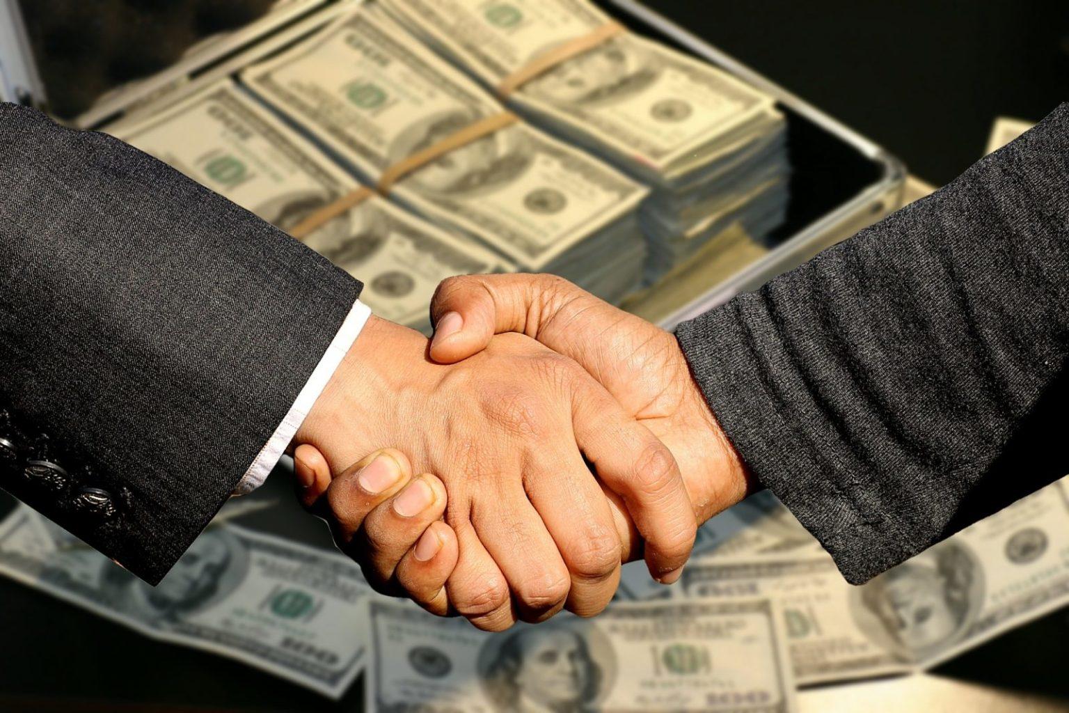 Как казахстанских госслужащих будут отучать от коррупции