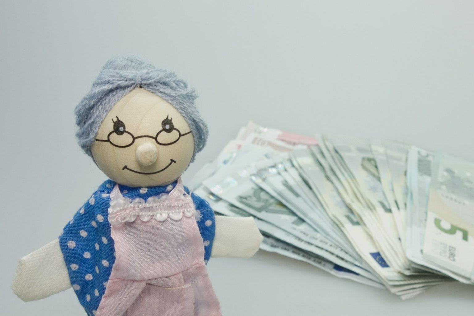Кто сможет снять часть пенсионных накоплений в следующем году