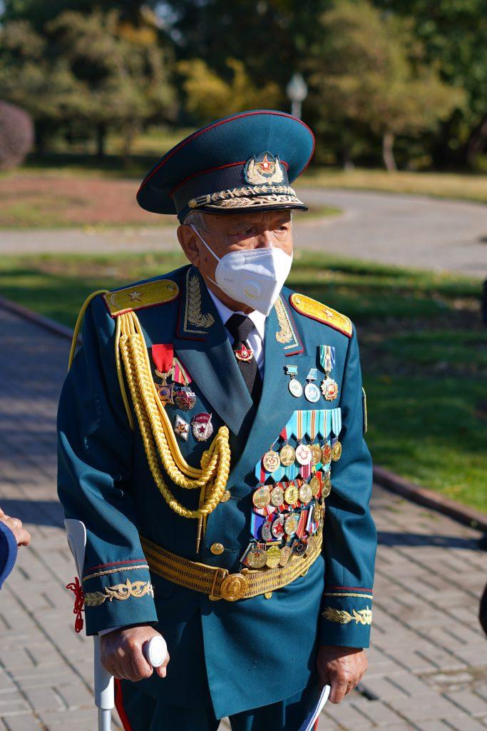 В Алматы открыли Аллею славы участников ВОВ