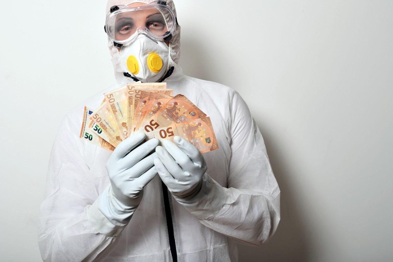 Минздрав отменил выплаты медработникам, заболевшим COVID-19