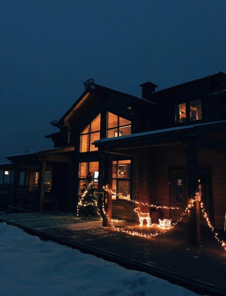 Зимняя сказка: встречаем Новый год в шале Sunrise Alatau