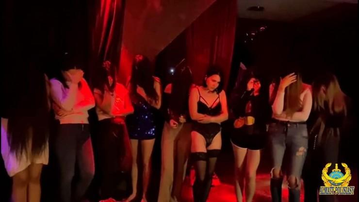 Притон с VIP-проститутками обнаружили в коттедже Алматы