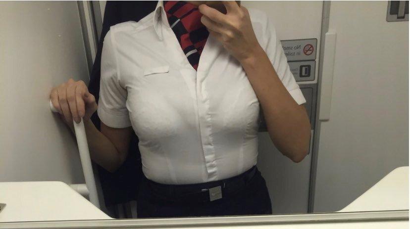 Сколько зарабатывают стюардессы на откровенных снимках