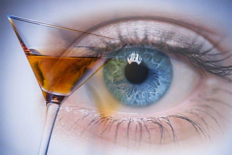 Цвет глаз может рассказать о склонности к алкоголизму