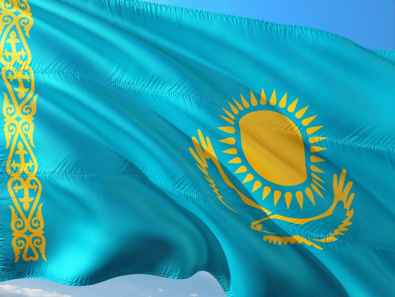 Флаг Казахстана разрешили использовать для «выражения патриотических чувств»