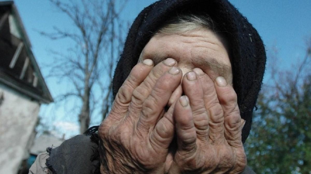 В Шымкенте из-за дележки дома дочери избили свою пожилую мать