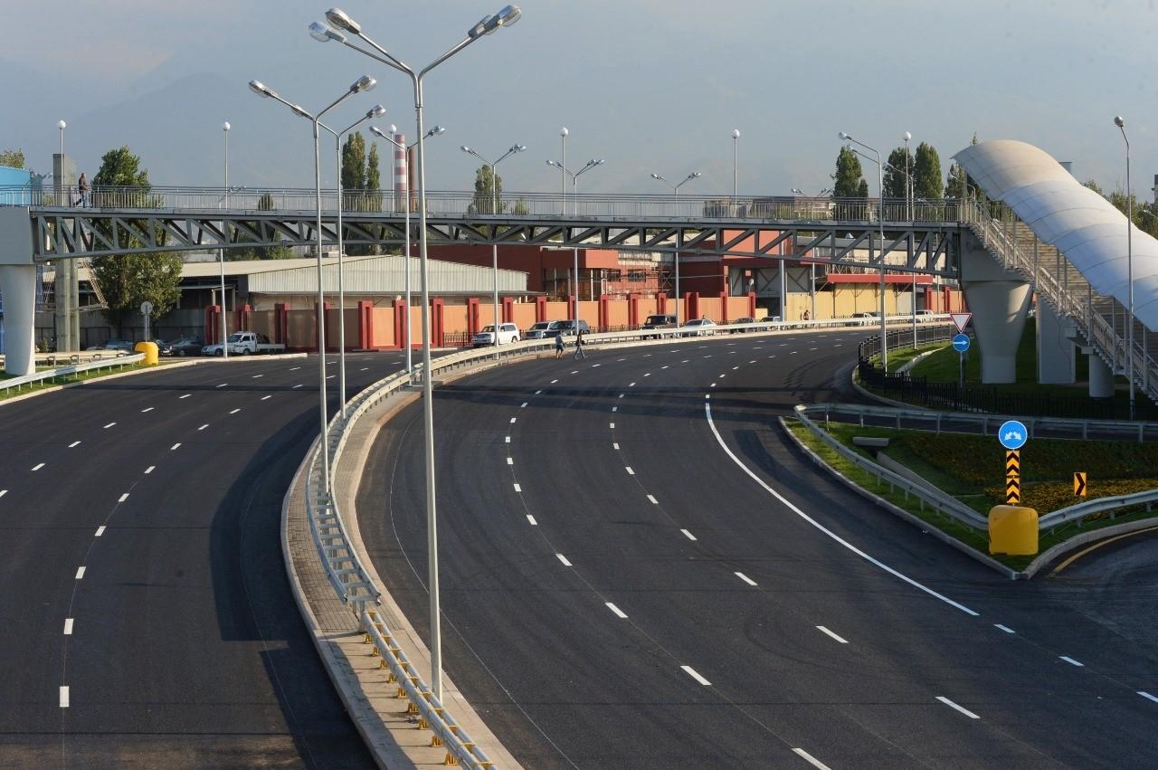 Десять улиц планируют продлить в Алматы