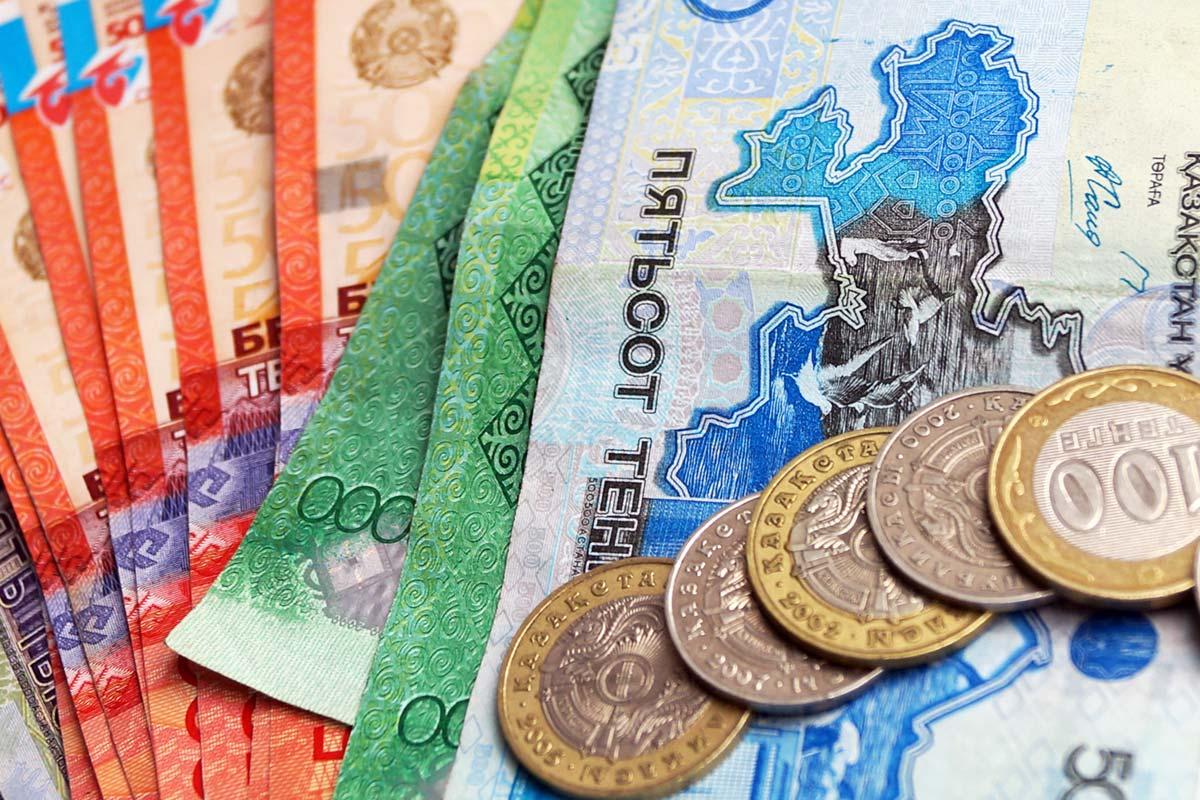 Аналитики дали прогнозы по инфляции и курсу доллара в Казахстане