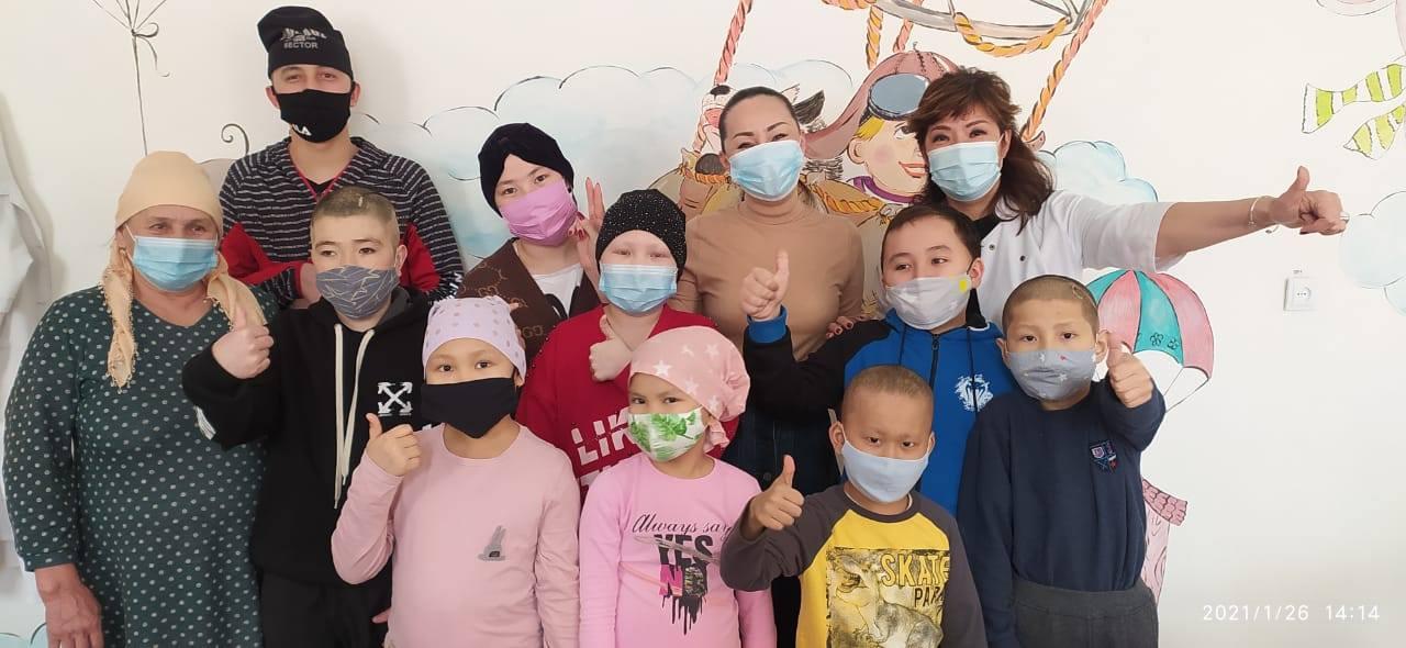 Баян Алагузова подарила Центру детской онкологии бытовую технику