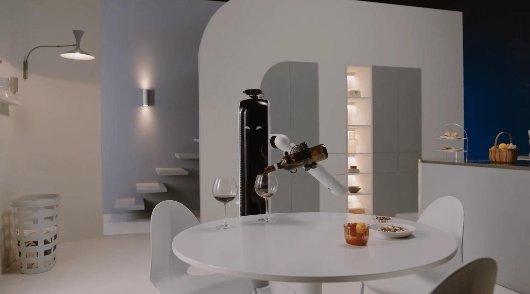Появился робот, который нальет бокал вина после утомительного дня