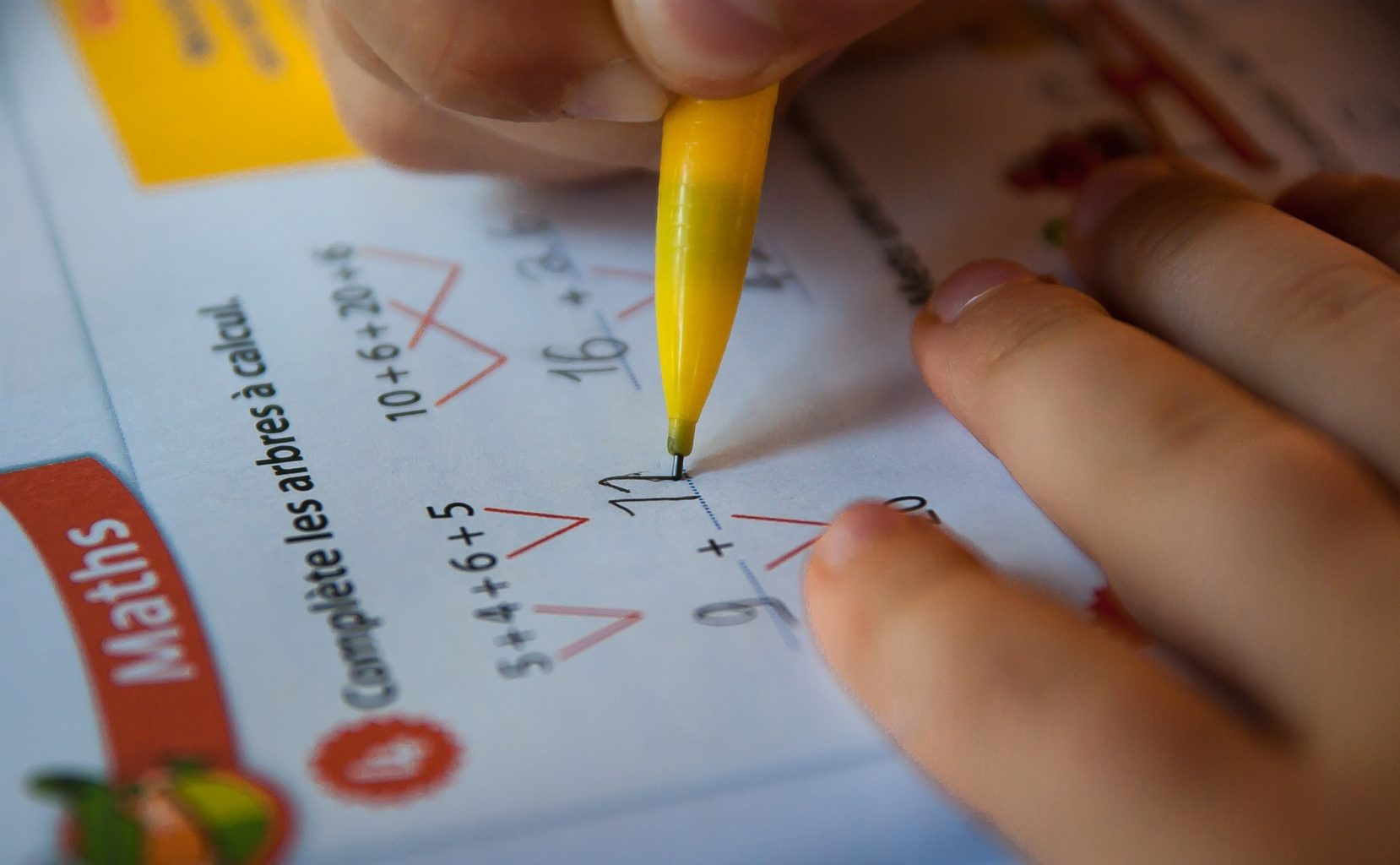 Бекшин озвучил новые карантинные ограничения для студентов и школьников