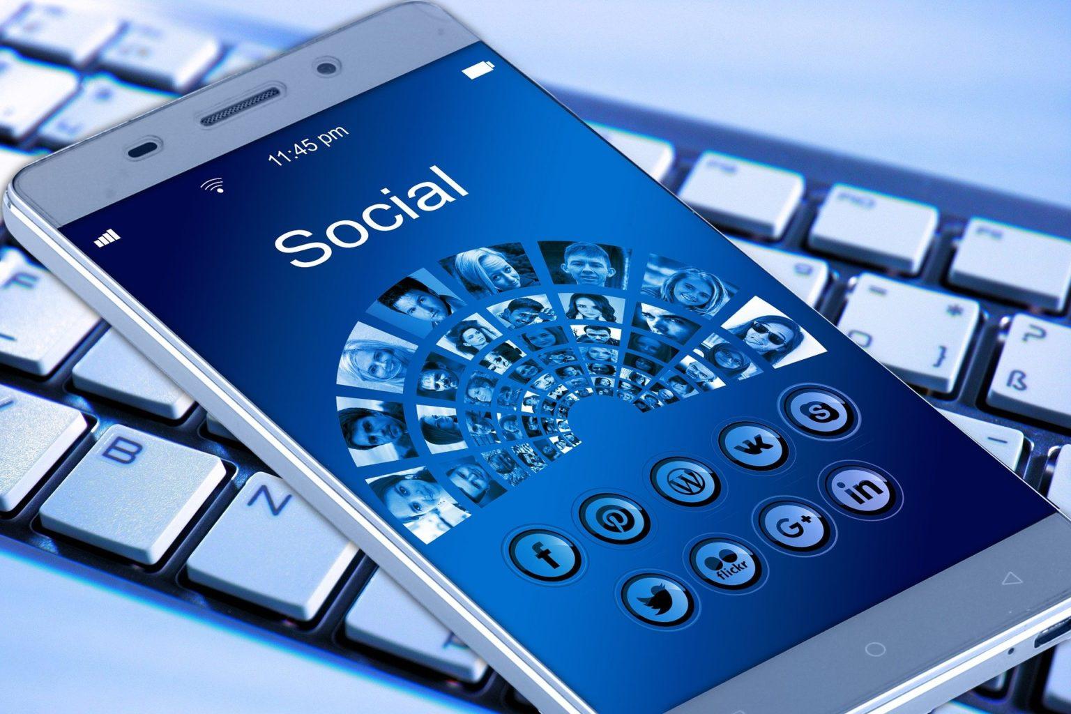 Соцсети толкают общество к катастрофе