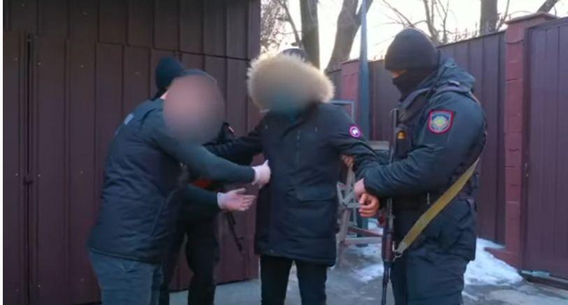 Антикор показал видео задержания сотрудников акимата Талгарского района