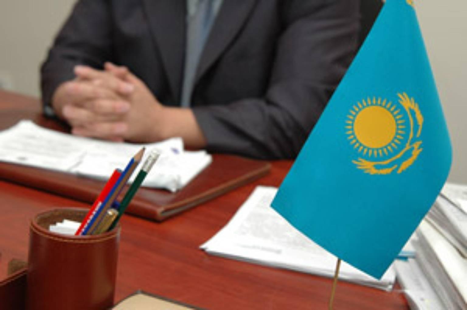 Налоговикам в Казахстане повысят зарплаты с целью снижения уровня коррупции