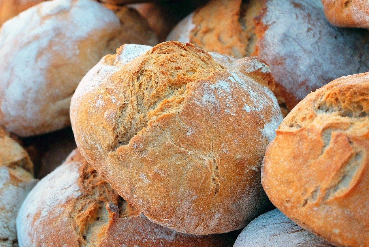 Лимит на покупку хлеба установили в Алматы