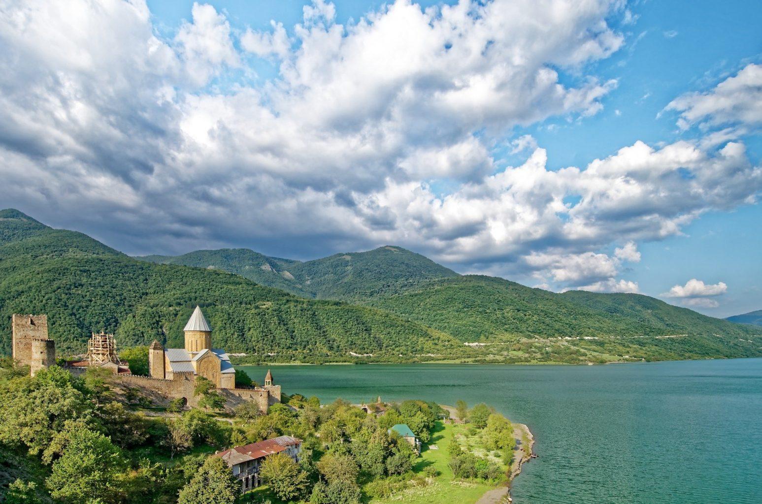 С 1 марта для казахстанских туристов откроется Грузия