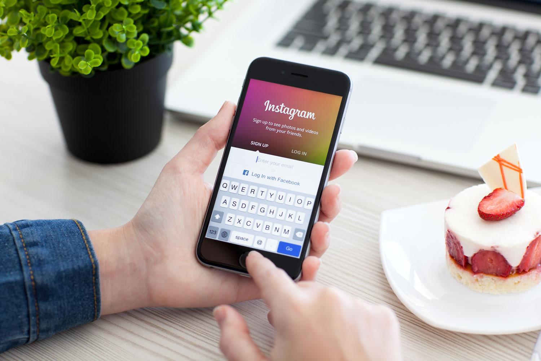 Instagram будет блокировать аккаунты за оскорбления в личных сообщениях