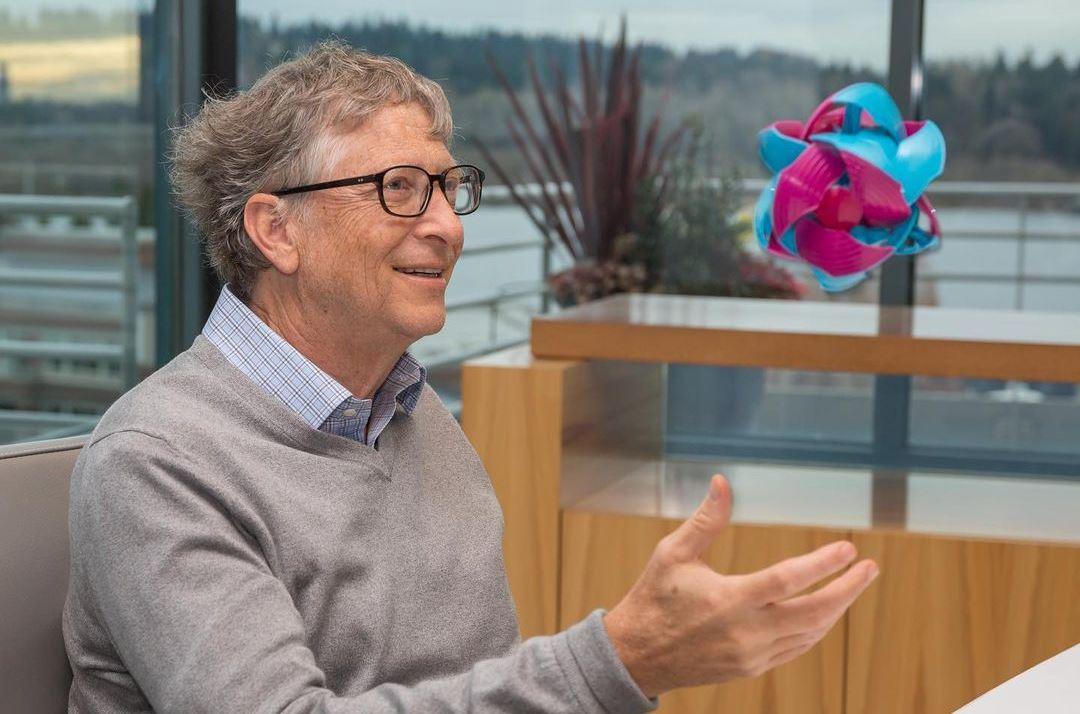 Билл Гейтс рассказал, почему тратит деньги на вакцины, а не отправляет ракеты на Марс