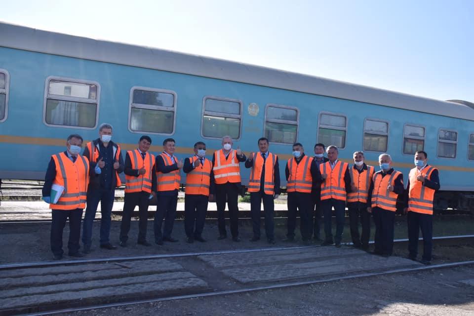 КТЖ «шьют» аморалку: казахстанцев смутило поздравление компании к 8 марта