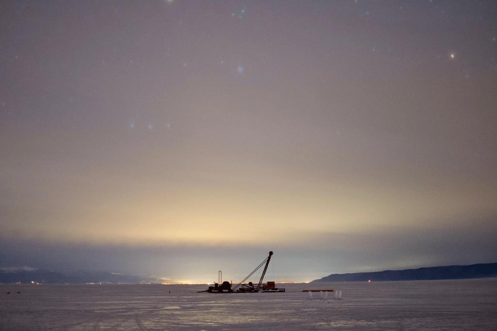 Зачем на Байкале запустили глубоководный нейтринный телескоп
